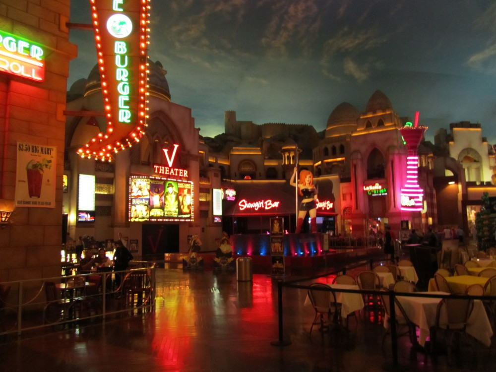 Miracle Mile Shops Vegas High Roller