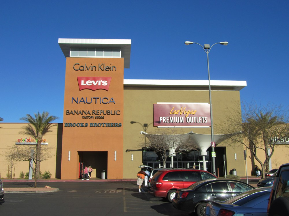 Premium Outlets South | Vegas High Roller