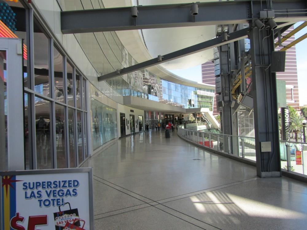 Kenneth Cole Fashion Show Mall