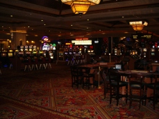 Mandalay Bay Hotel & Casino Las Vegas, Mandalay Bay Resort & Casino Las Vegas, Mandalay Bay Las Vegas, Mandalay Bay Hotel Las Vegas, Mandalay Bay Casino Las Vegas, Mandalay Beach, Mandalay Place, MGM Resorts, MGM International, Mlife, Las Vegas, Las Vegas Strip, Las Vegas Boulevard, Slots, Slotmachines, Videpoker, poker, Blackjack, Roulette, Baccarat, Sports Book, Gaming, Gambling