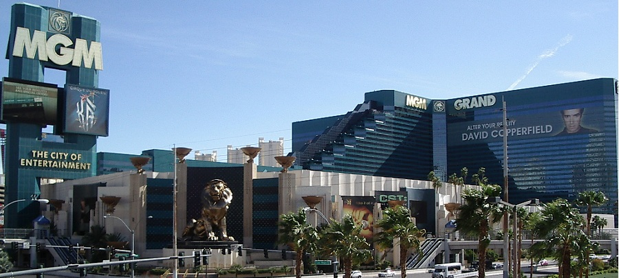 vegas club hotel & casino parking